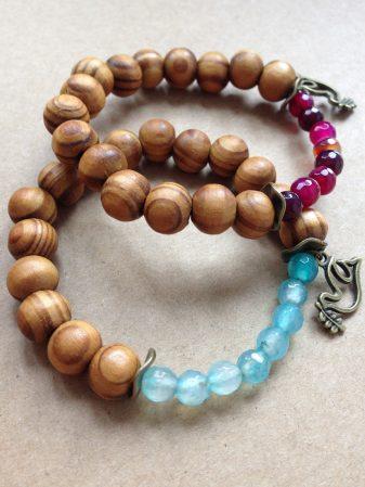 HolzperlenArmbänder