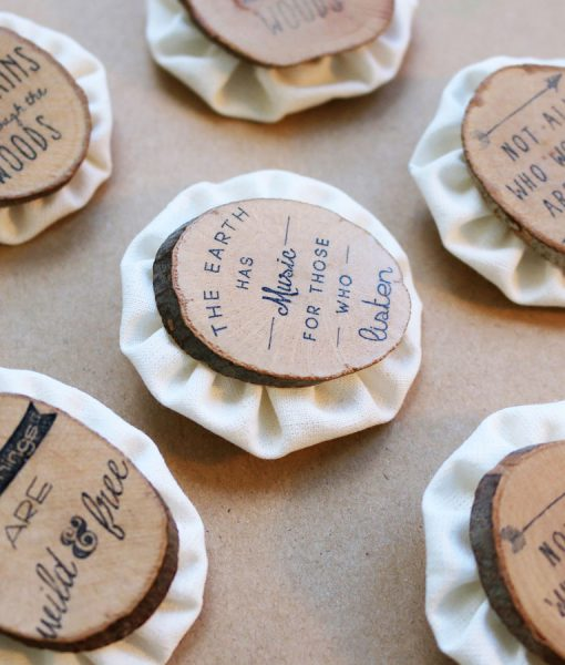 wood_brooches_detail